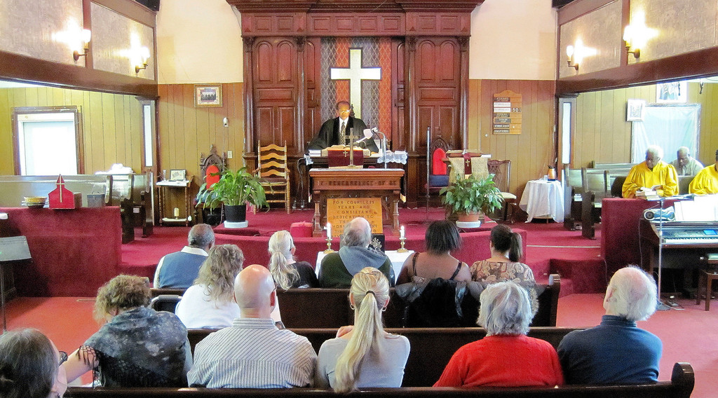 . Rev. Willard Durant leads a memorial service for murder victim David Glasser at Price Memorial AME Zion Church in Pittsfield, Mon Nov 28, 2011 (GARVER)